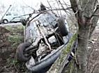Fejtetőre állt egy autó Debrecen és Hajdúsámson között