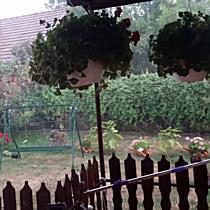 Hatalmas erejű széllel érkezett a vihar Berettyóújfaluba - haon.hu