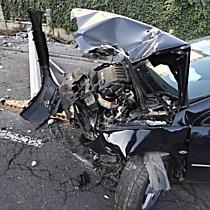 Póznának csapódott egy autó a Mikepércsi úton