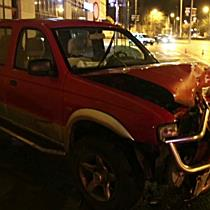 Villanyoszlopot döntött egy autós este Debrecen belvárosában - haon.hu
