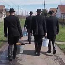 Húsvéti locsolkodás Újtikoson I. - haon.hu