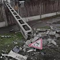Póznát döntött egy teherautó a Határ úton