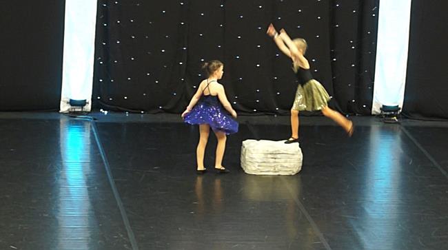 Darnai Lilli és Mándi Lilla duója