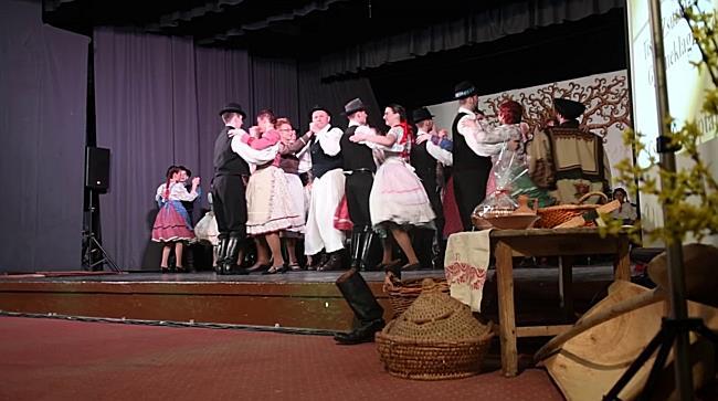 A 40 éves Csimpolya néptáncegyüttes jubileumi táncgálája - haon.hu