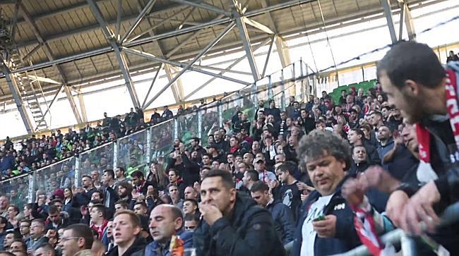 A debreceni ultrák a Ferencváros-DVSC mérkőzésen - haon.hu